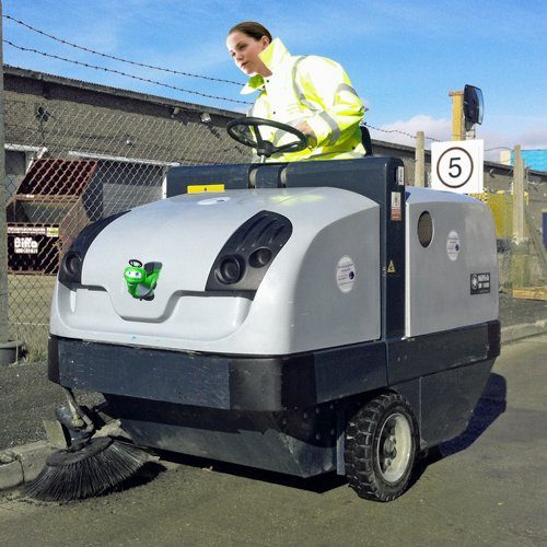 Nilfisk SR1450D Diesel ride-on sweeper hire. Indoor and outdoor sweeper for parks, paths, warehouses, shopping centres etc. A good all round industrial sweeper hire.