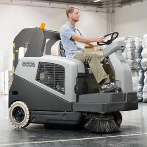 Nilfisk SW5500 D Diesel ride on sweeper