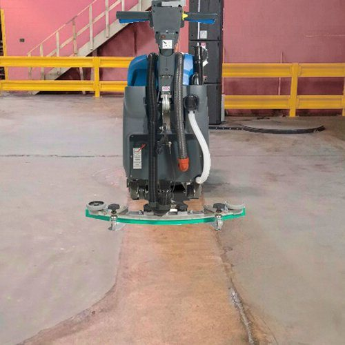 Numatic TTB 4045 Warehouse cleaning. Cleaning machine leaves a clean strip on the floor