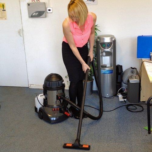hire steam cleaning machine