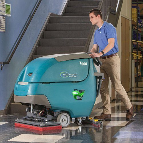 Tennant T500_65D New Battery Scrubber Dryer